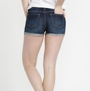 Kensie Dark Wash Cut Off Shorts NWT